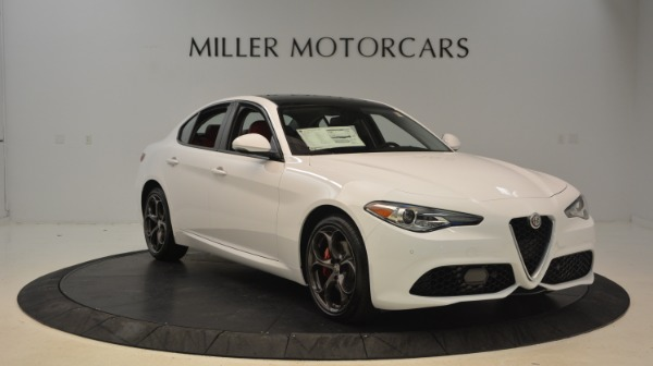 New 2018 Alfa Romeo Giulia Ti Sport Q4 for sale Sold at Bugatti of Greenwich in Greenwich CT 06830 11
