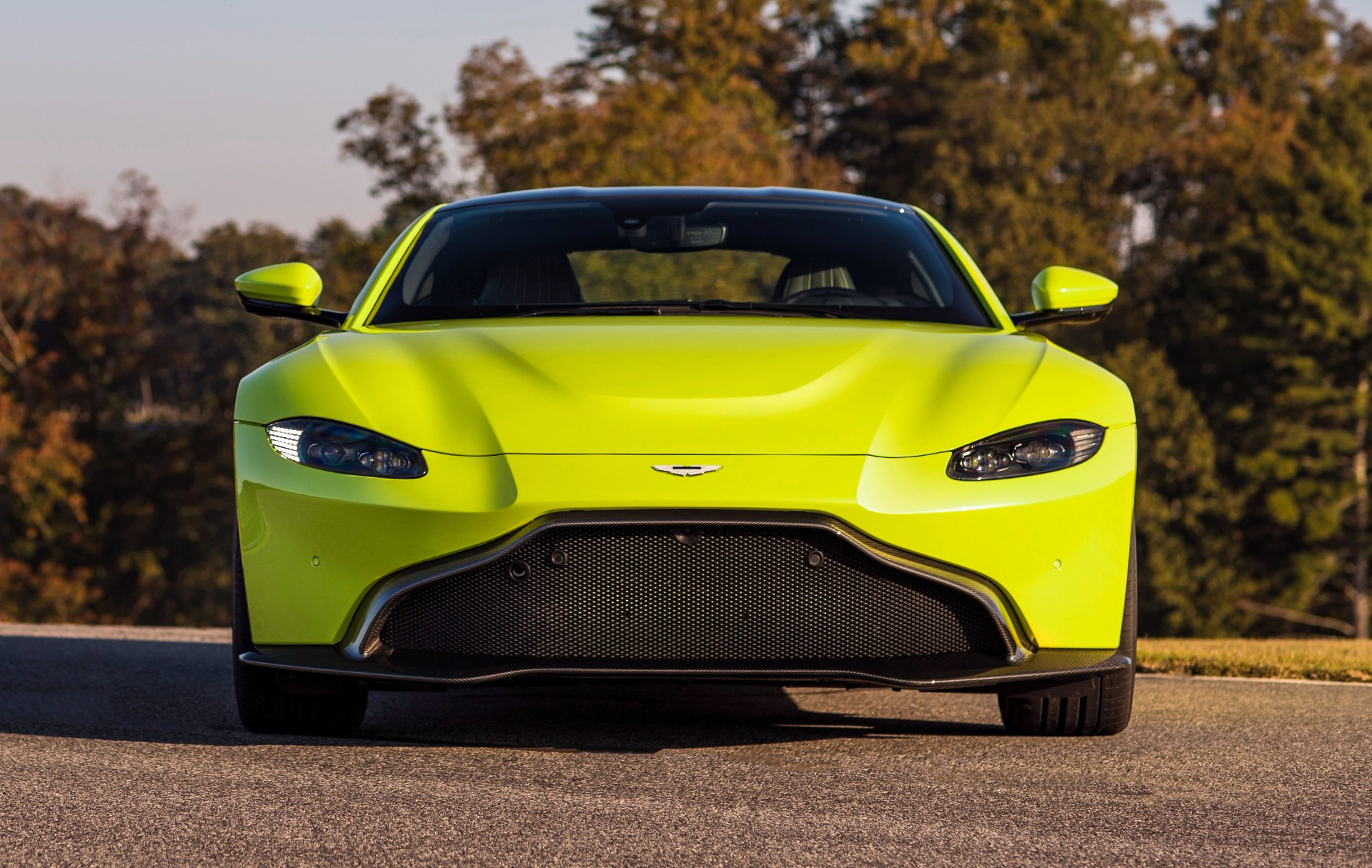 New 2019 Aston Martin Vantage for sale Sold at Bugatti of Greenwich in Greenwich CT 06830 1