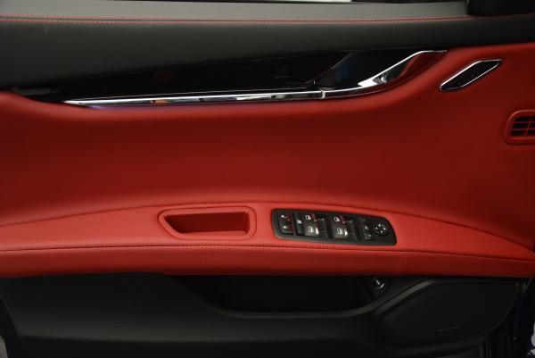 New 2016 Maserati Quattroporte S Q4  *******      DEALER'S  DEMO for sale Sold at Bugatti of Greenwich in Greenwich CT 06830 18