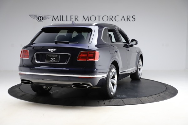 Used 2018 Bentley Bentayga W12 Signature for sale $154,900 at Bugatti of Greenwich in Greenwich CT 06830 8