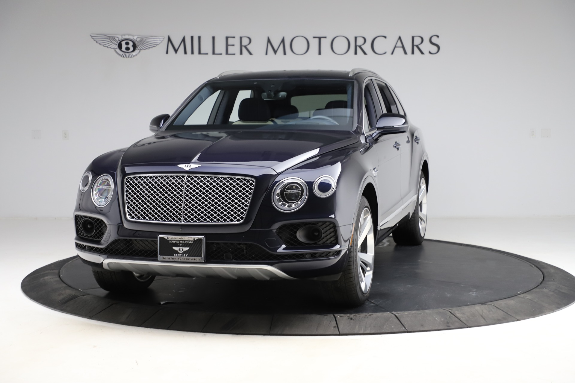 Used 2018 Bentley Bentayga W12 Signature for sale $154,900 at Bugatti of Greenwich in Greenwich CT 06830 1