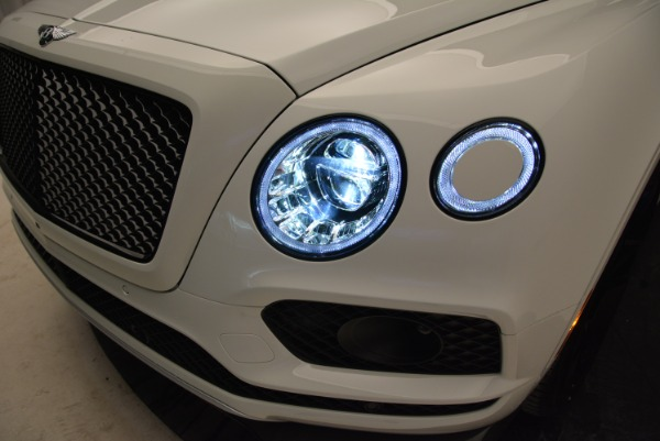 New 2018 Bentley Bentayga Black Edition for sale Sold at Bugatti of Greenwich in Greenwich CT 06830 16