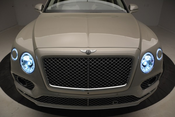 New 2018 Bentley Bentayga Signature for sale Sold at Bugatti of Greenwich in Greenwich CT 06830 14