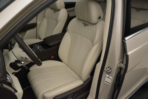 New 2018 Bentley Bentayga Signature for sale Sold at Bugatti of Greenwich in Greenwich CT 06830 19