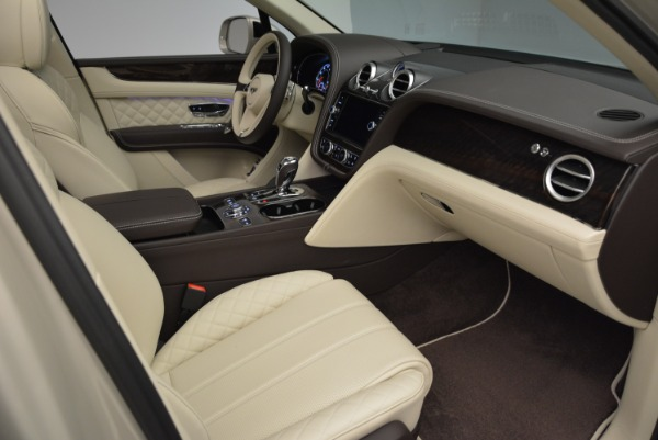 New 2018 Bentley Bentayga Signature for sale Sold at Bugatti of Greenwich in Greenwich CT 06830 26
