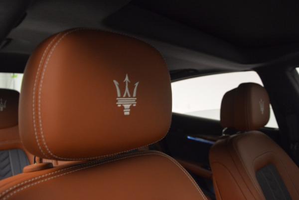 New 2018 Maserati Quattroporte S Q4 GranLusso for sale Sold at Bugatti of Greenwich in Greenwich CT 06830 17
