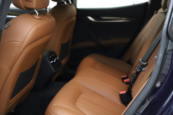 Used 2018 Maserati Ghibli S Q4 for sale $53,900 at Bugatti of Greenwich in Greenwich CT 06830 19