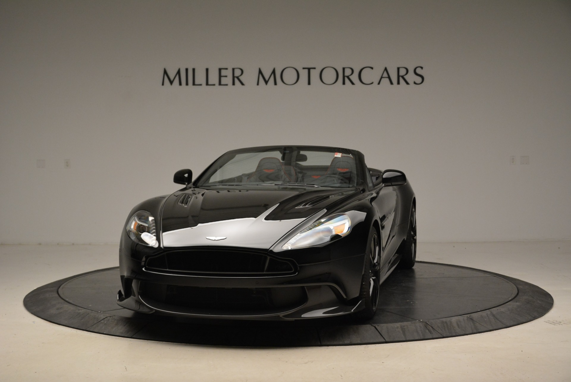 Used 2018 Aston Martin Vanquish S Convertible for sale Sold at Bugatti of Greenwich in Greenwich CT 06830 1