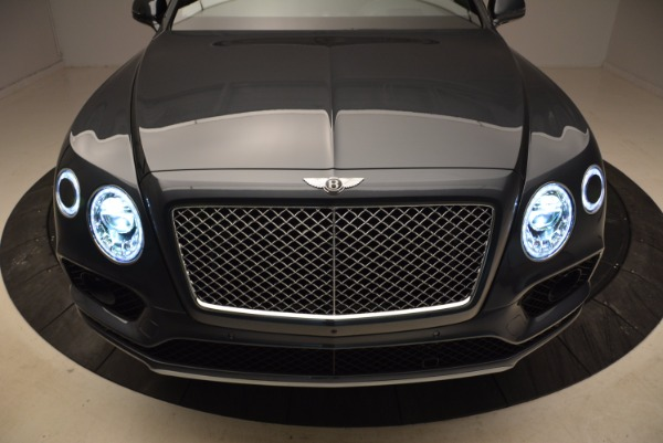 Used 2018 Bentley Bentayga W12 Signature for sale Sold at Bugatti of Greenwich in Greenwich CT 06830 18