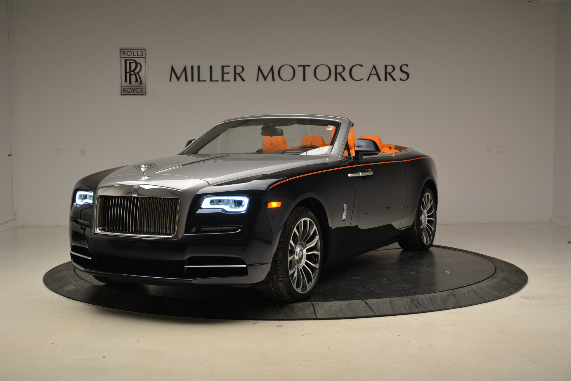 New 2018 Rolls-Royce Dawn for sale Sold at Bugatti of Greenwich in Greenwich CT 06830 1