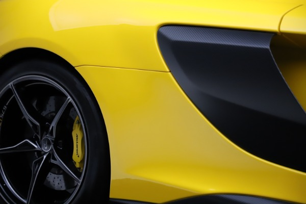 Used 2016 McLaren 675LT Coupe for sale $227,900 at Bugatti of Greenwich in Greenwich CT 06830 27