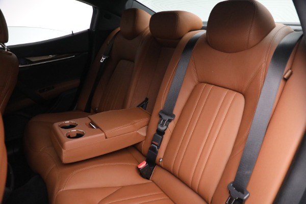 Used 2018 Maserati Ghibli S Q4 for sale $54,900 at Bugatti of Greenwich in Greenwich CT 06830 23