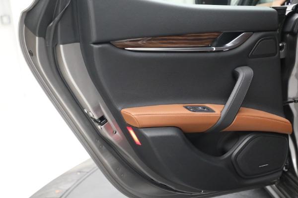Used 2018 Maserati Ghibli S Q4 for sale $54,900 at Bugatti of Greenwich in Greenwich CT 06830 24