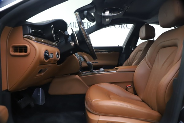 Used 2018 Maserati Quattroporte S Q4 GranLusso for sale $69,900 at Bugatti of Greenwich in Greenwich CT 06830 15