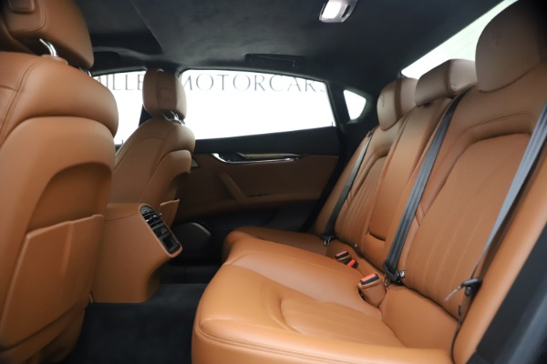 Used 2018 Maserati Quattroporte S Q4 GranLusso for sale $69,900 at Bugatti of Greenwich in Greenwich CT 06830 19