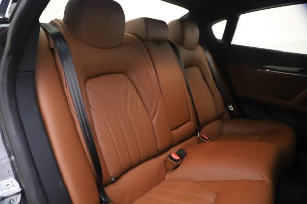 Used 2018 Maserati Quattroporte S Q4 GranLusso for sale $69,900 at Bugatti of Greenwich in Greenwich CT 06830 24
