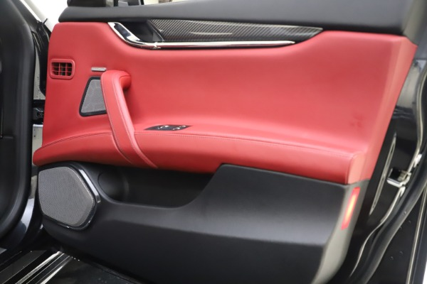 Used 2018 Maserati Quattroporte S Q4 GranSport for sale $67,900 at Bugatti of Greenwich in Greenwich CT 06830 25