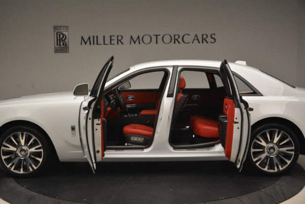 New 2018 Rolls-Royce Ghost for sale Sold at Bugatti of Greenwich in Greenwich CT 06830 15