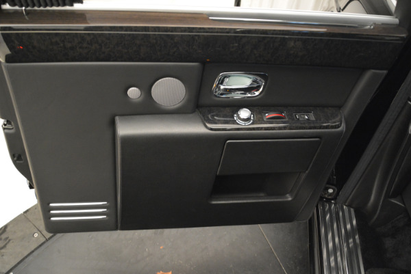 Used 2014 Rolls-Royce Phantom EWB for sale Sold at Bugatti of Greenwich in Greenwich CT 06830 13