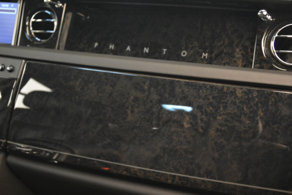 Used 2014 Rolls-Royce Phantom EWB for sale Sold at Bugatti of Greenwich in Greenwich CT 06830 24