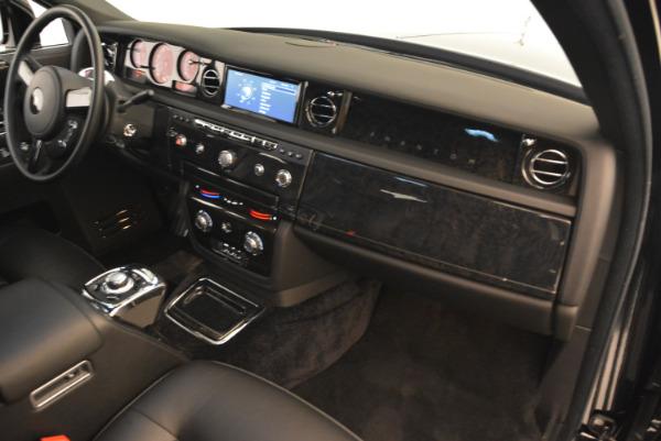 Used 2014 Rolls-Royce Phantom EWB for sale Sold at Bugatti of Greenwich in Greenwich CT 06830 25