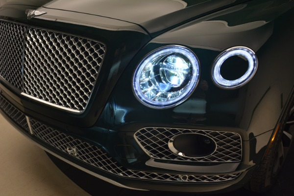 New 2018 Bentley Bentayga Signature for sale Sold at Bugatti of Greenwich in Greenwich CT 06830 20
