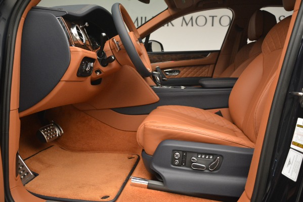 Used 2018 Bentley Bentayga Signature for sale Sold at Bugatti of Greenwich in Greenwich CT 06830 18