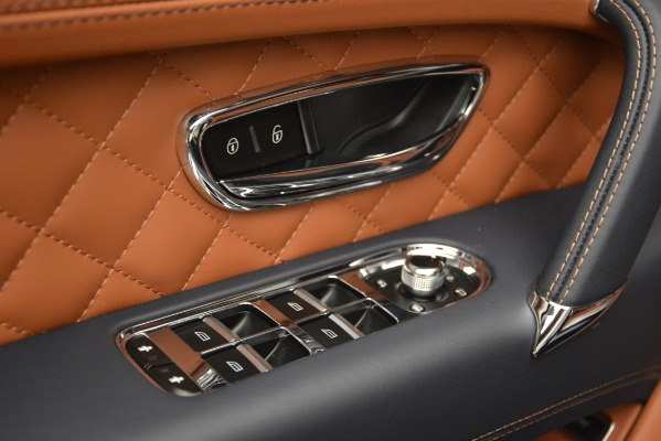 Used 2018 Bentley Bentayga Signature for sale Sold at Bugatti of Greenwich in Greenwich CT 06830 19