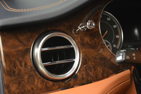Used 2018 Bentley Bentayga Signature for sale Sold at Bugatti of Greenwich in Greenwich CT 06830 20