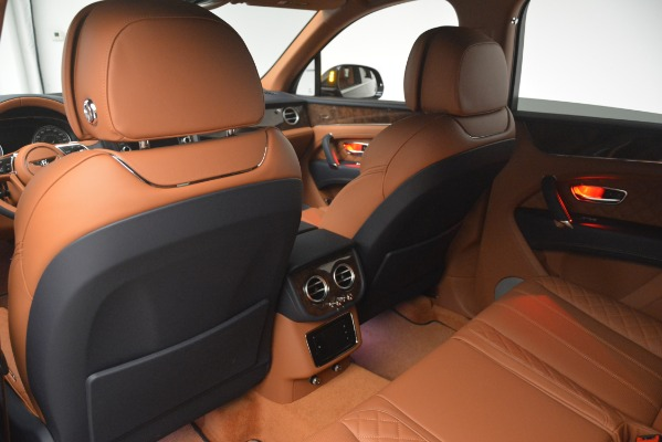 Used 2018 Bentley Bentayga Signature for sale Sold at Bugatti of Greenwich in Greenwich CT 06830 22