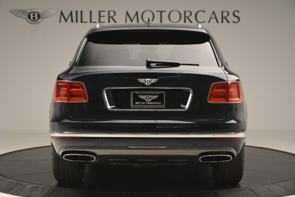 Used 2018 Bentley Bentayga Signature for sale Sold at Bugatti of Greenwich in Greenwich CT 06830 7