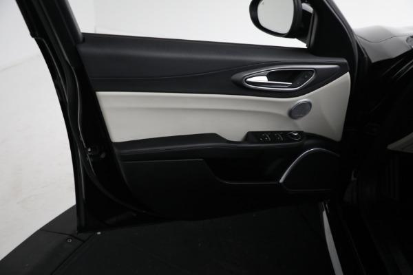 Used 2018 Alfa Romeo Giulia Ti Sport Q4 for sale $34,900 at Bugatti of Greenwich in Greenwich CT 06830 15