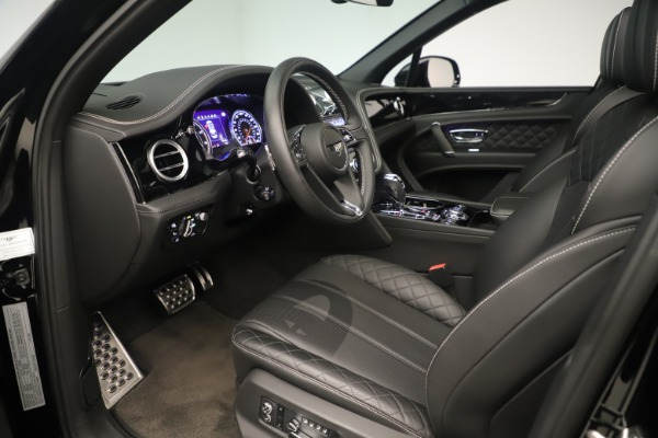 Used 2018 Bentley Bentayga W12 Signature for sale Sold at Bugatti of Greenwich in Greenwich CT 06830 17