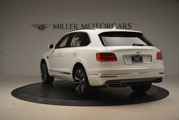 Used 2018 Bentley Bentayga Signature for sale Sold at Bugatti of Greenwich in Greenwich CT 06830 5