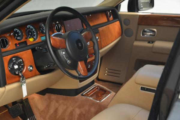Used 2013 Rolls-Royce Phantom for sale Sold at Bugatti of Greenwich in Greenwich CT 06830 15