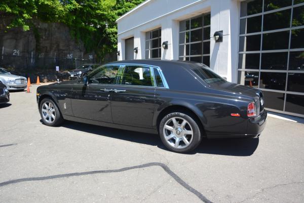 New 2016 Rolls-Royce Phantom for sale Sold at Bugatti of Greenwich in Greenwich CT 06830 4