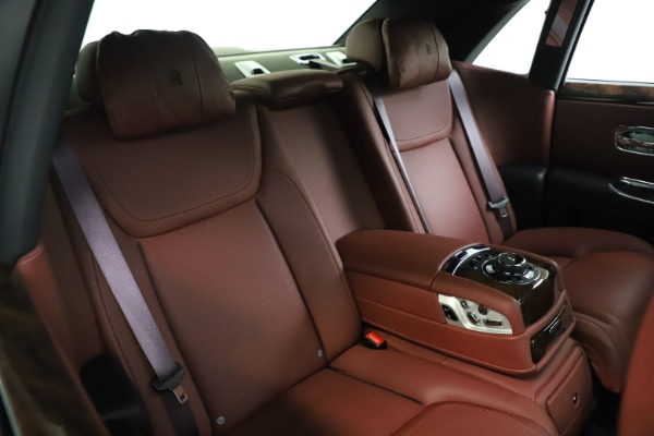 Used 2016 Rolls-Royce Ghost for sale $169,900 at Bugatti of Greenwich in Greenwich CT 06830 16