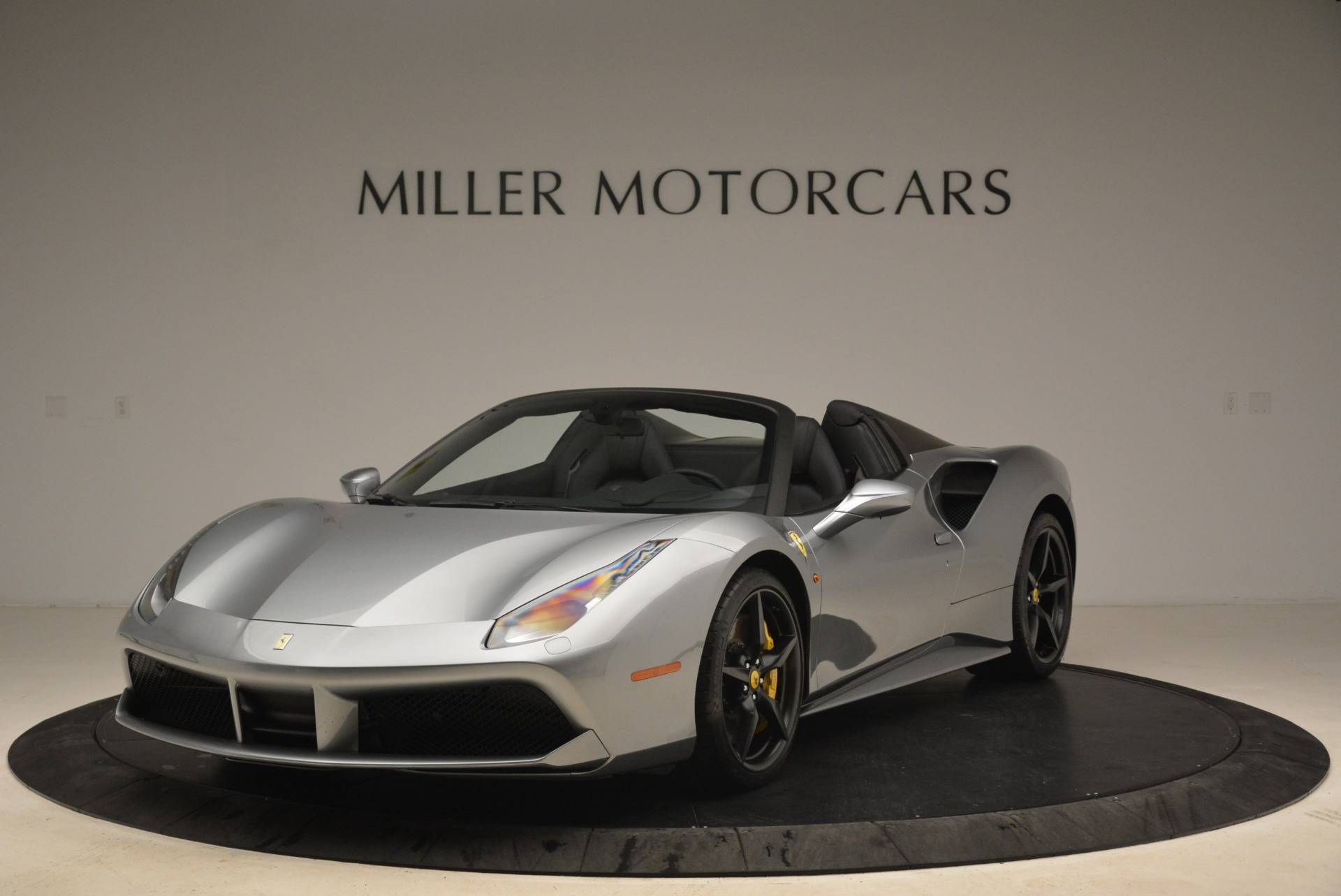 Used 2018 Ferrari 488 Spider for sale $274,900 at Bugatti of Greenwich in Greenwich CT 06830 1