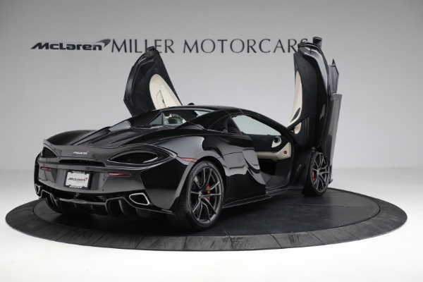 New 2018 McLaren 570S Spider for sale Sold at Bugatti of Greenwich in Greenwich CT 06830 26