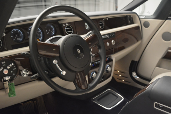 Used 2014 Rolls-Royce Phantom Drophead Coupe for sale Sold at Bugatti of Greenwich in Greenwich CT 06830 22