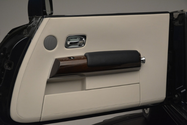 Used 2014 Rolls-Royce Phantom Drophead Coupe for sale Sold at Bugatti of Greenwich in Greenwich CT 06830 25