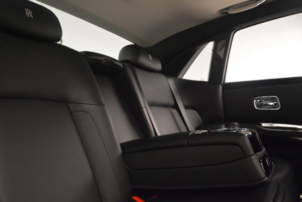 Used 2012 Rolls-Royce Ghost for sale Sold at Bugatti of Greenwich in Greenwich CT 06830 27