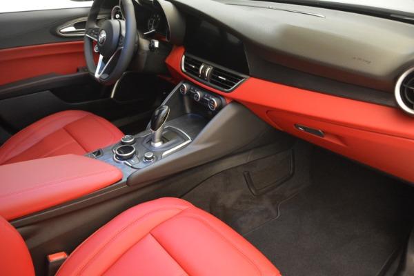 New 2018 Alfa Romeo Giulia Q4 for sale Sold at Bugatti of Greenwich in Greenwich CT 06830 18