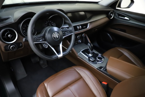 Used 2018 Alfa Romeo Stelvio Ti Q4 for sale $32,900 at Bugatti of Greenwich in Greenwich CT 06830 13