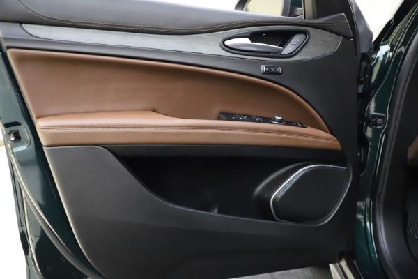 Used 2018 Alfa Romeo Stelvio Ti Q4 for sale $32,900 at Bugatti of Greenwich in Greenwich CT 06830 17