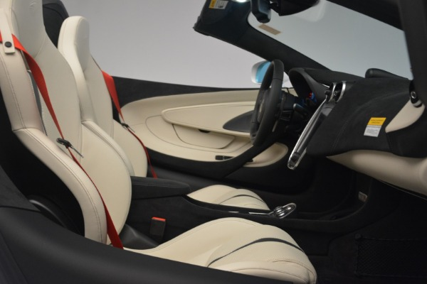 Used 2019 McLaren 570S Spider Convertible for sale $169,900 at Bugatti of Greenwich in Greenwich CT 06830 27