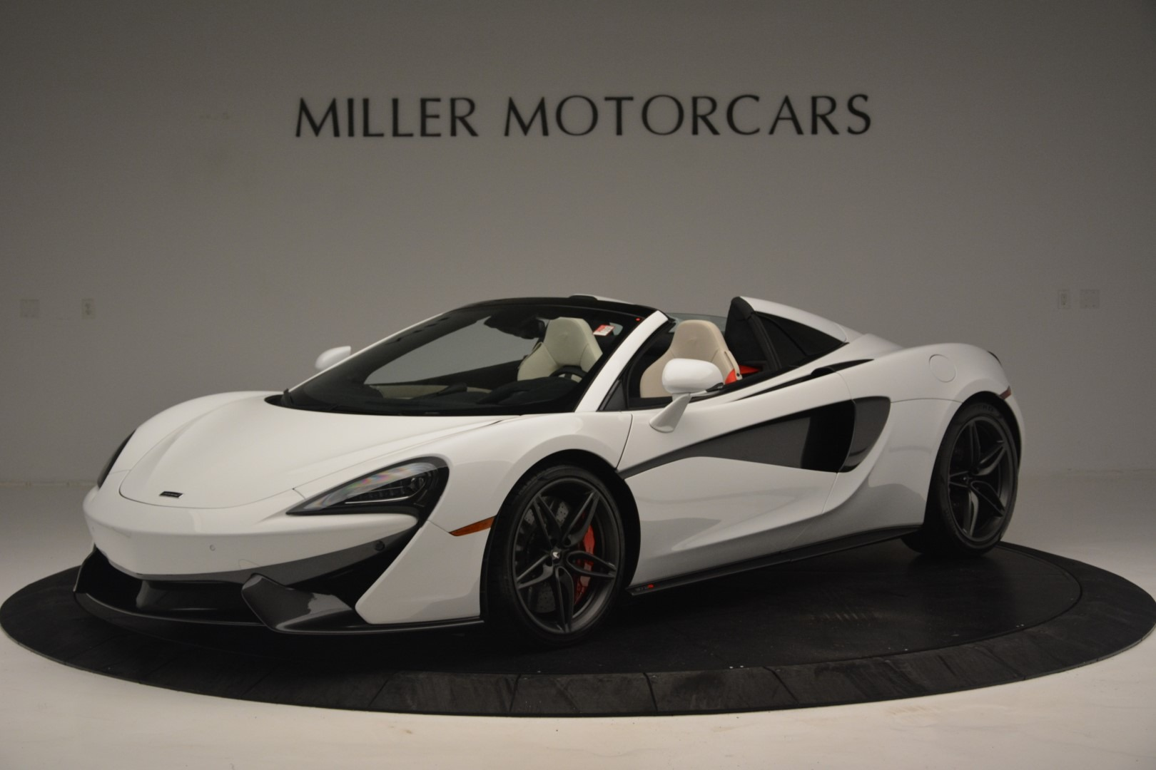 Used 2019 McLaren 570S Spider Convertible for sale $169,900 at Bugatti of Greenwich in Greenwich CT 06830 1