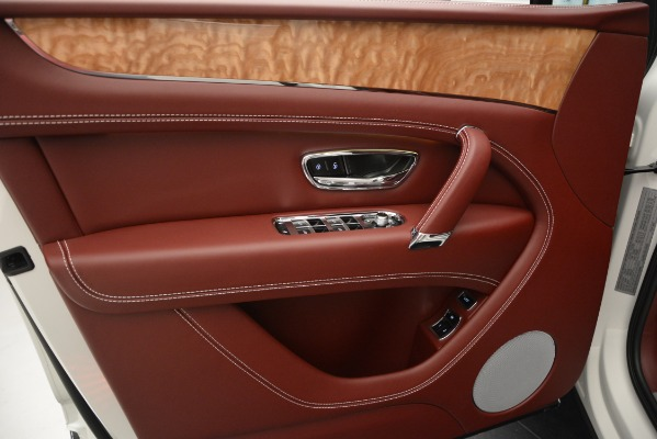 New 2019 Bentley Bentayga V8 for sale Sold at Bugatti of Greenwich in Greenwich CT 06830 16