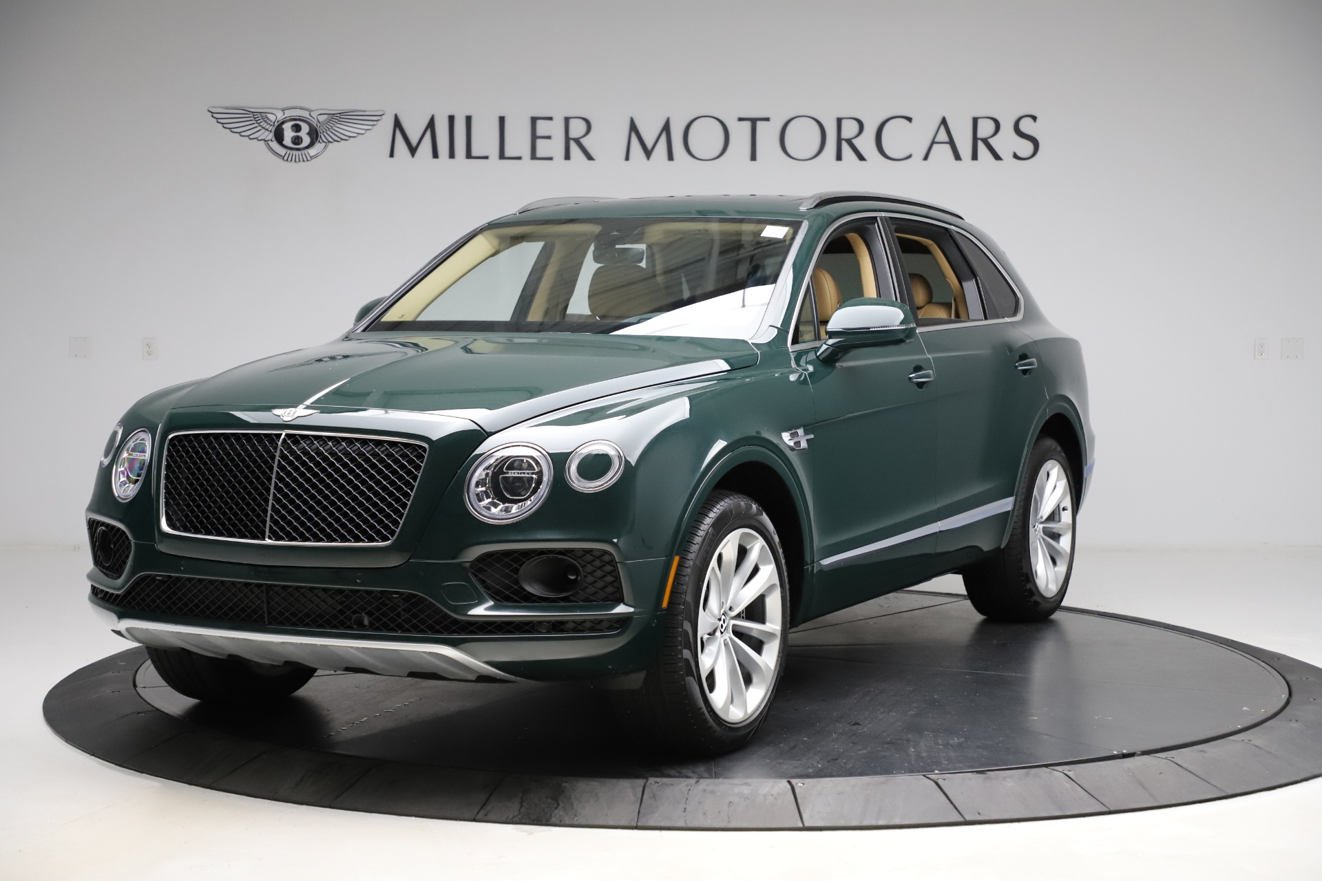 Used 2019 Bentley Bentayga V8 for sale $163,900 at Bugatti of Greenwich in Greenwich CT 06830 1