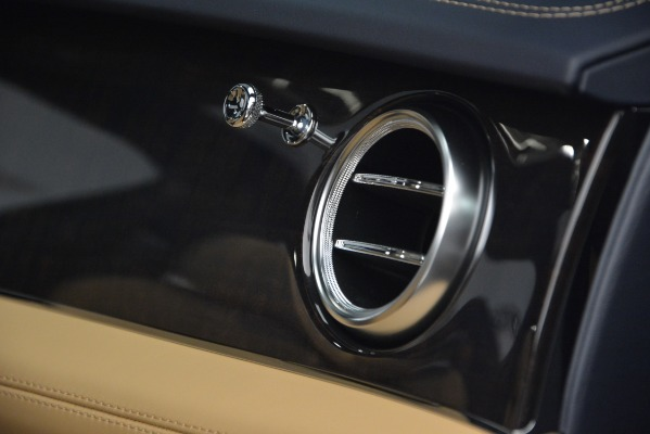 New 2019 Bentley Bentayga V8 for sale Sold at Bugatti of Greenwich in Greenwich CT 06830 21